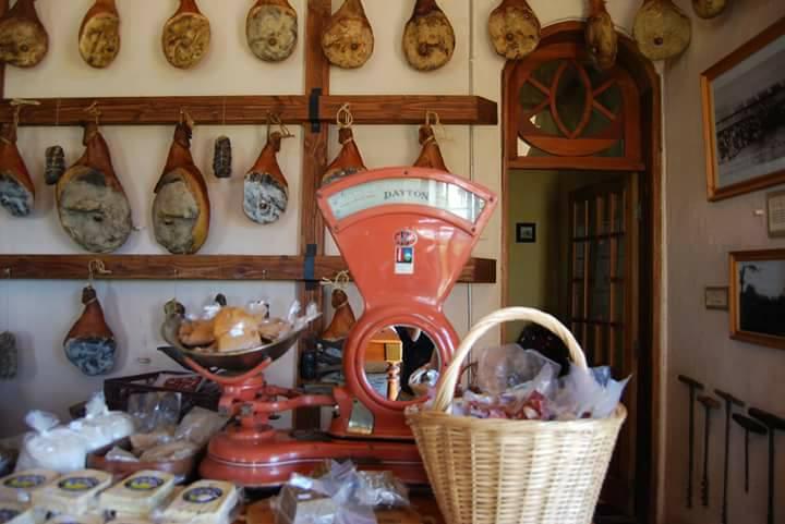 Cafetería Montecorone en Capitán Pastene #Lumaco