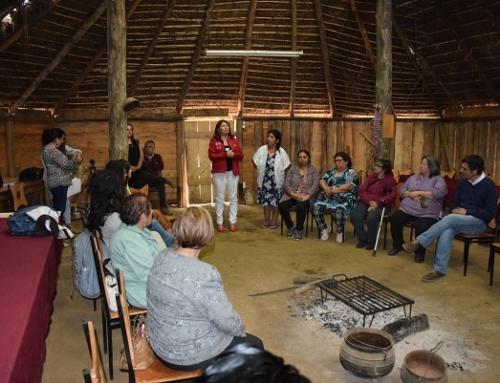 Encuentro de saberes reunió a mujeres emprendedoras de la región en Padre Las Casas y Saavedra