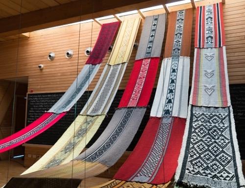Trabajo de mujeres tejedoras de La Araucanía llega al Centro Cultural La Moneda